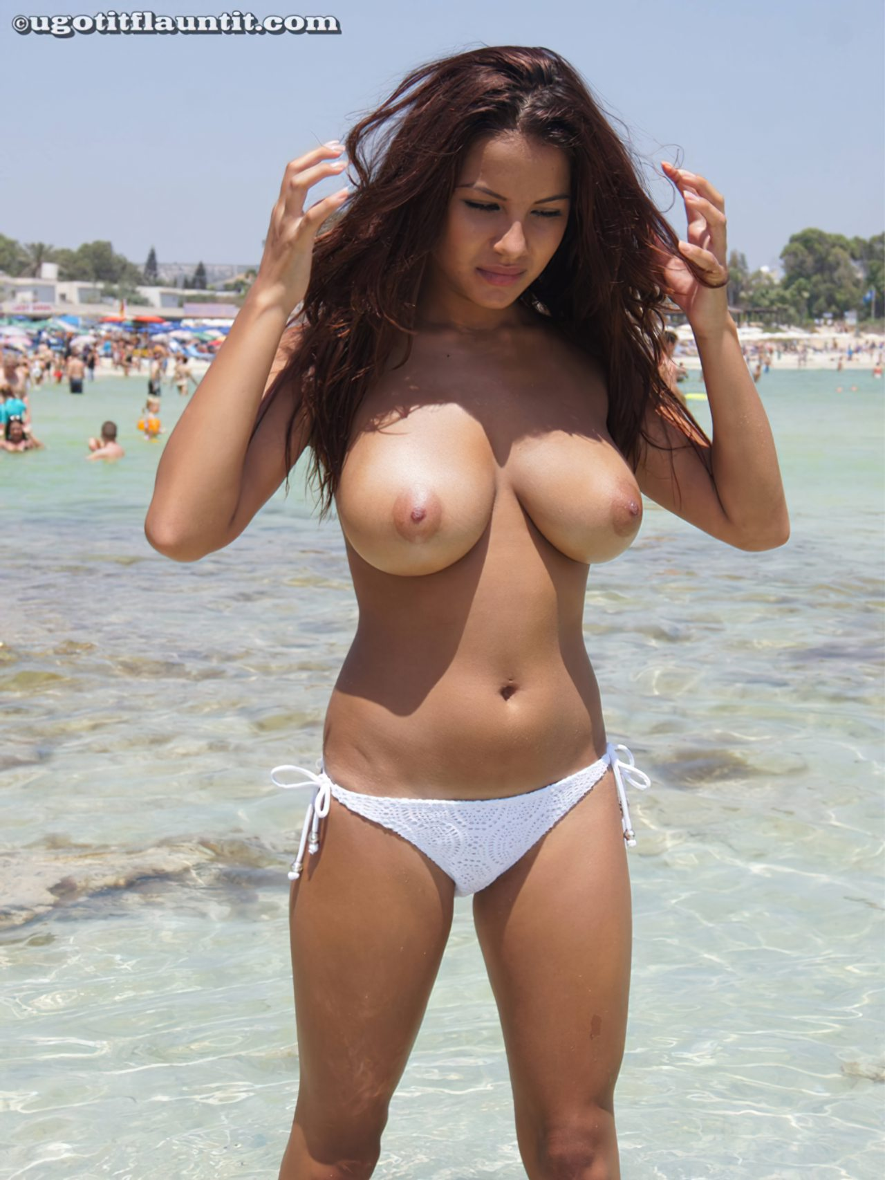 Lacey Banghard Nua (7)