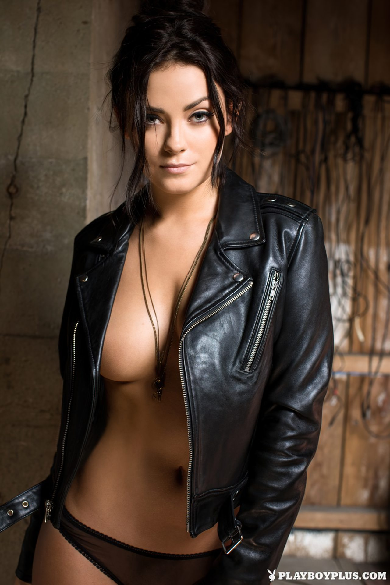 Alexandra Tyler Nua (4)